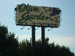Olive Garden Sign